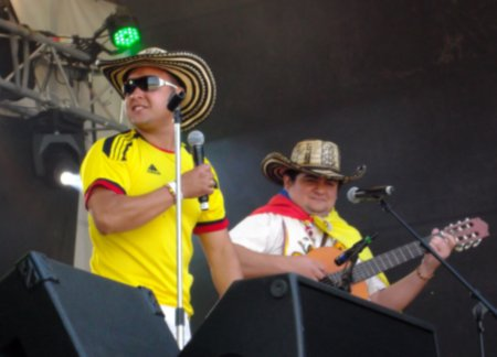 Singer-and-Guitarist-Colombian-Festival